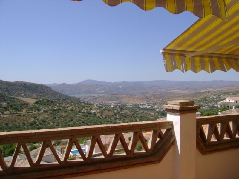 This 1 bedroom apartment is a new build of the highest quality.  It is fully furnished with 1 bedroo,Spain