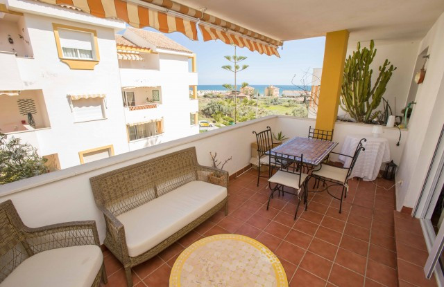 Apartment only 300 m from the beach, in Anoreta Baja with sea view in a gated complex with pool. It , Spain