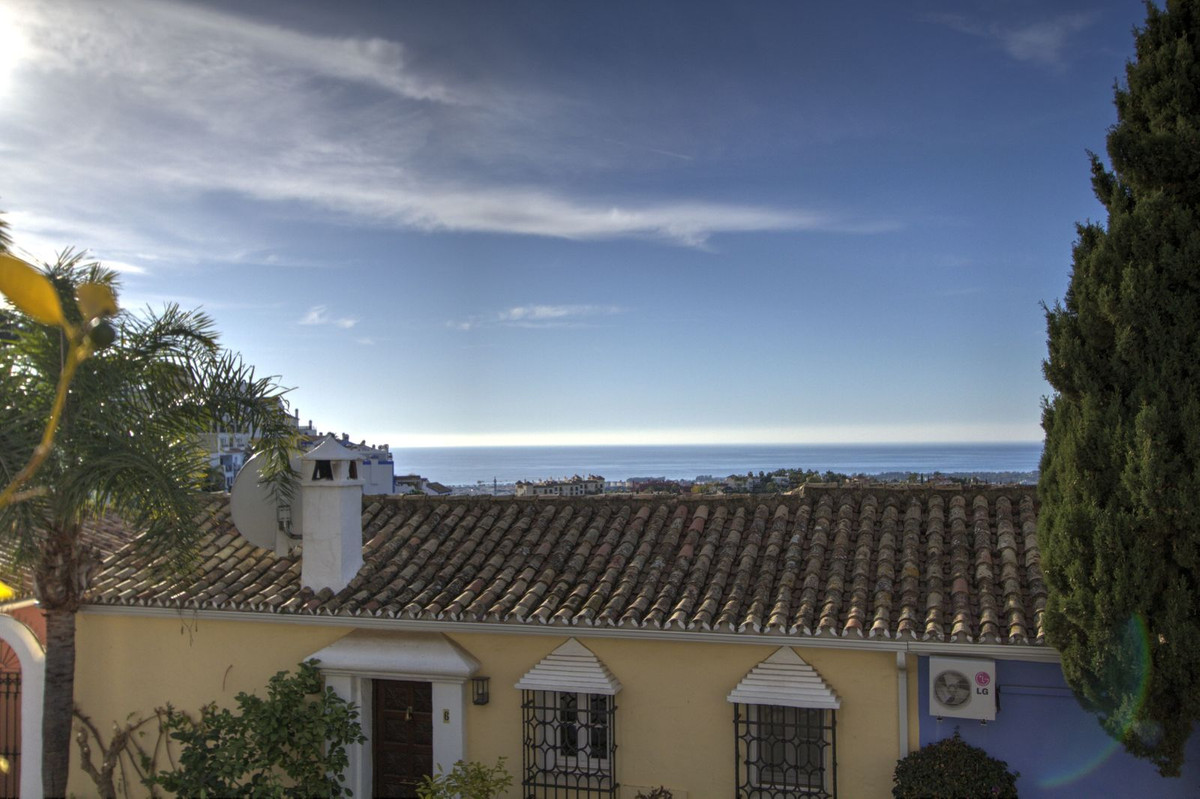 Charming 3 bedroom 3 bathroom (all ensuite) townhouse in acclaimed resort of La Heredia. This beauti,Spain