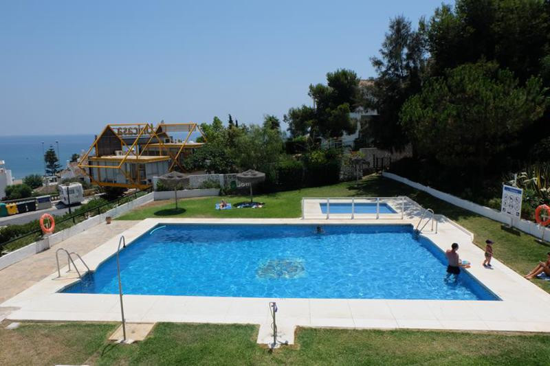 LOVELY ONE BEDROOM BEACHSIDE APARTMENT WITH SEA VIEWS   This is a great holiday apartment with south,Spain