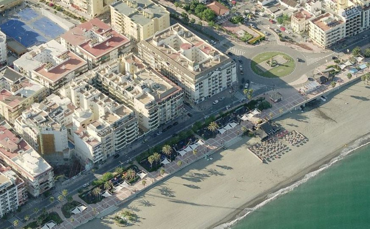 Excellent commercial premises of 153 m2 in the center of Estepona. Fabulous location. Very visible. , Spain