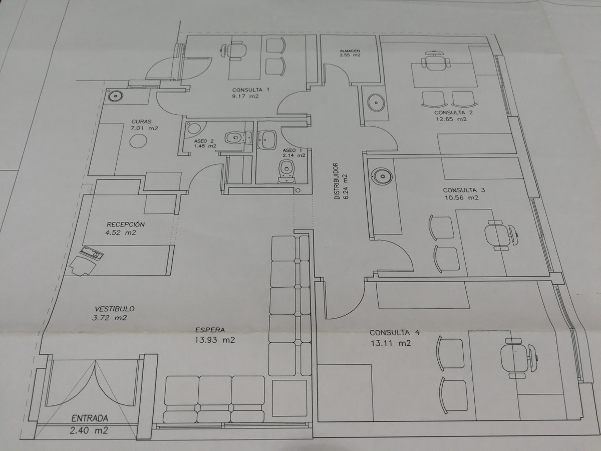 Excellent commercial space of 100 M2 on the corner in the center of San Pedro Alcantara, in the same, Spain