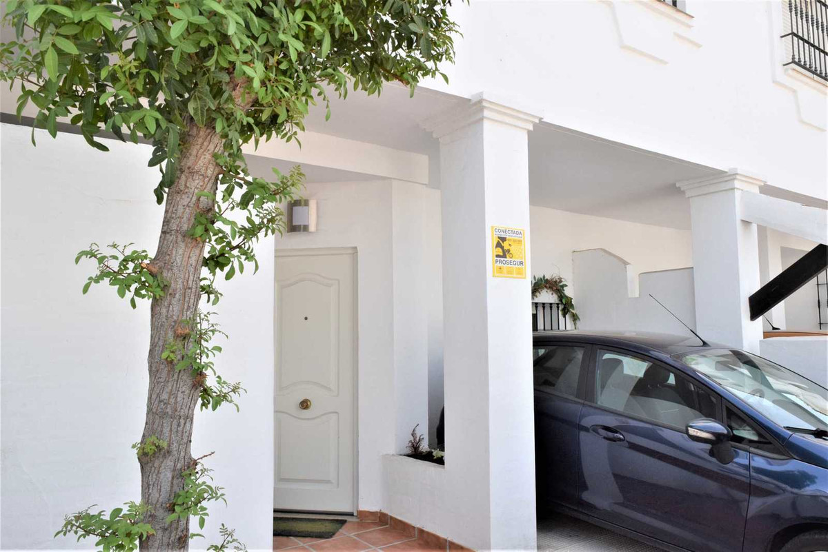 For Sale..   Townhouse in The lovely Urbanizaton of Los Naranjos De Marbella.  The townhouse compris, Spain