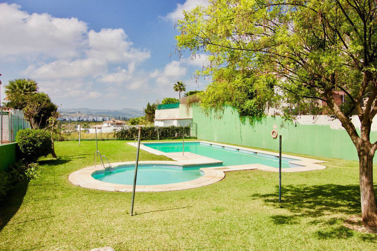 Gorgeous townhouse located at a exclusive area of Fuengirola, La sierrezuela. 2 levels. Main level w,Spain