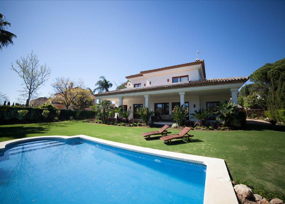 ECOFRIENDLY VILLA IN LAS BRISAS NUEVA ANDALUCIA, PUERTO BANUS  East facing villa designed on two flo, Spain