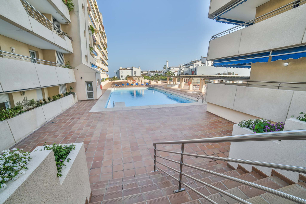 Apartment with two bedrooms and two bathrooms, american kitchen, living room with access to terrace , Spain