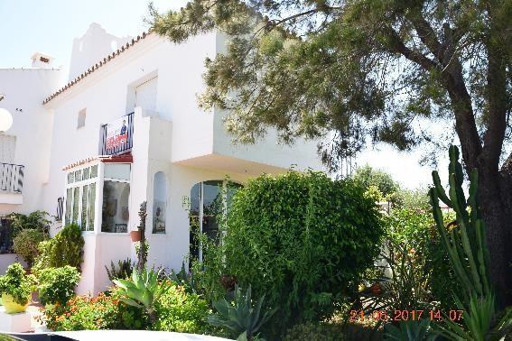 Townhouse, Estepona, Costa del Sol. 3 Bedrooms, 2 Bathrooms, Built 180 m², Terrace 70 m², Garden/Plo, Spain