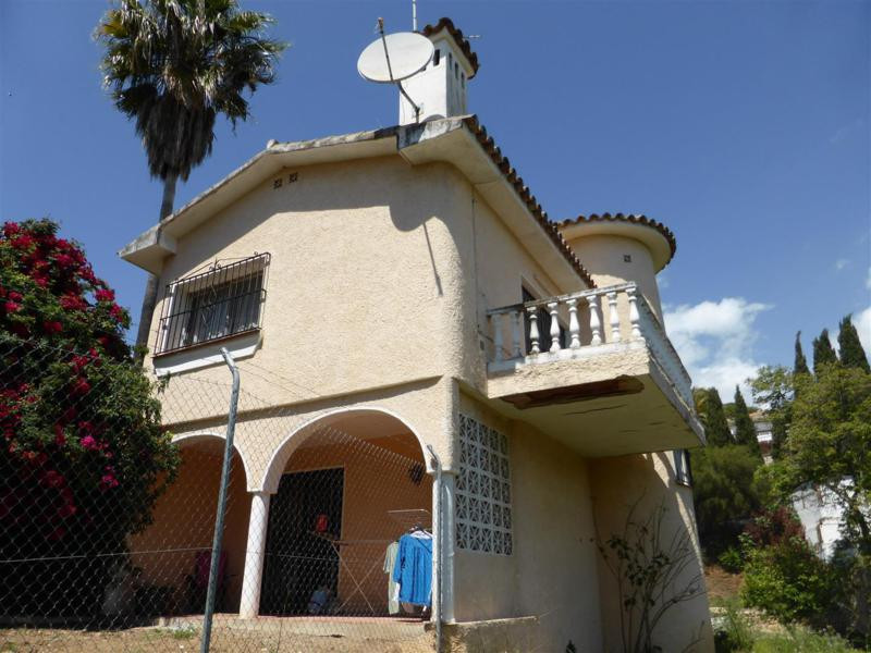 Charming detached villa sitting on a large plot of land in Campo Mijas. The property which can be en,Spain