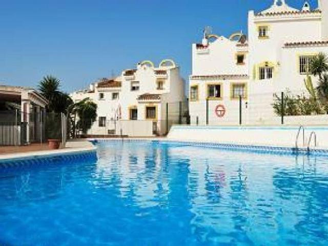 LOVELY TOWNHOUSE RECENTLY RENOVATED IN EAST MARBELLA - This townhouse is located in a residential ar,Spain