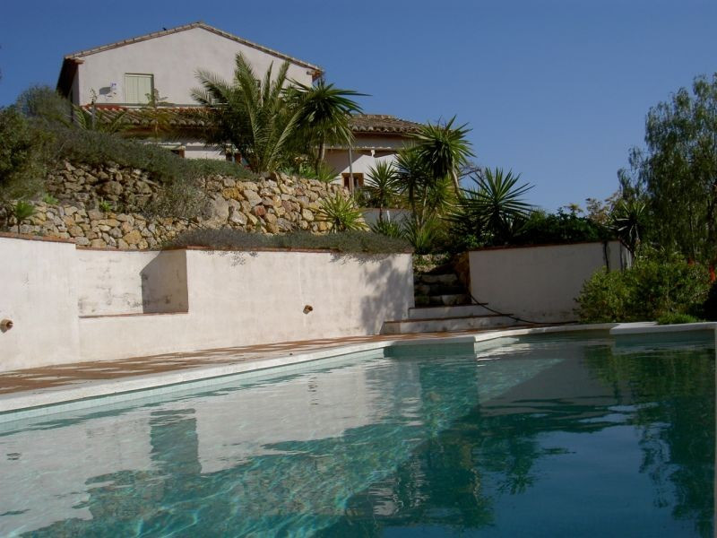 Wonderful farmhouse renovated in two floors, partially furnished, 2 bedrooms, one of them with bathr,Spain