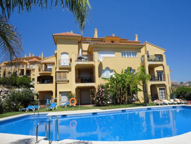 (031)  Attractive apartment in a quiet and safe urbanization only 3 minutes drive to the beach and M,Spain