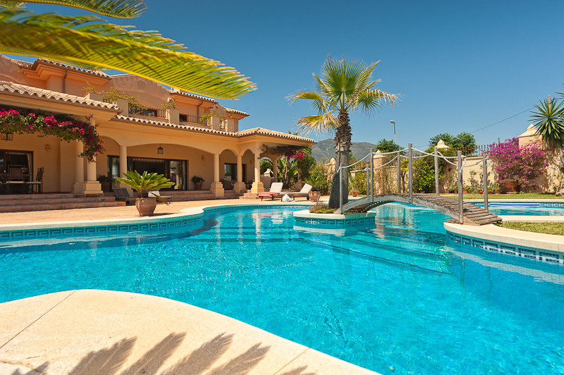 Originally listed at 1,850,000 € now reduced to 1,500,000 € An exceptionally well located luxury vil,Spain
