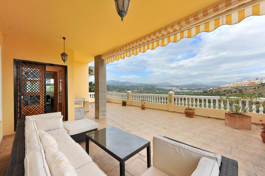 Villa with 4 rooms highly recommended, located in one of the most known and prestigious urbanization, Spain