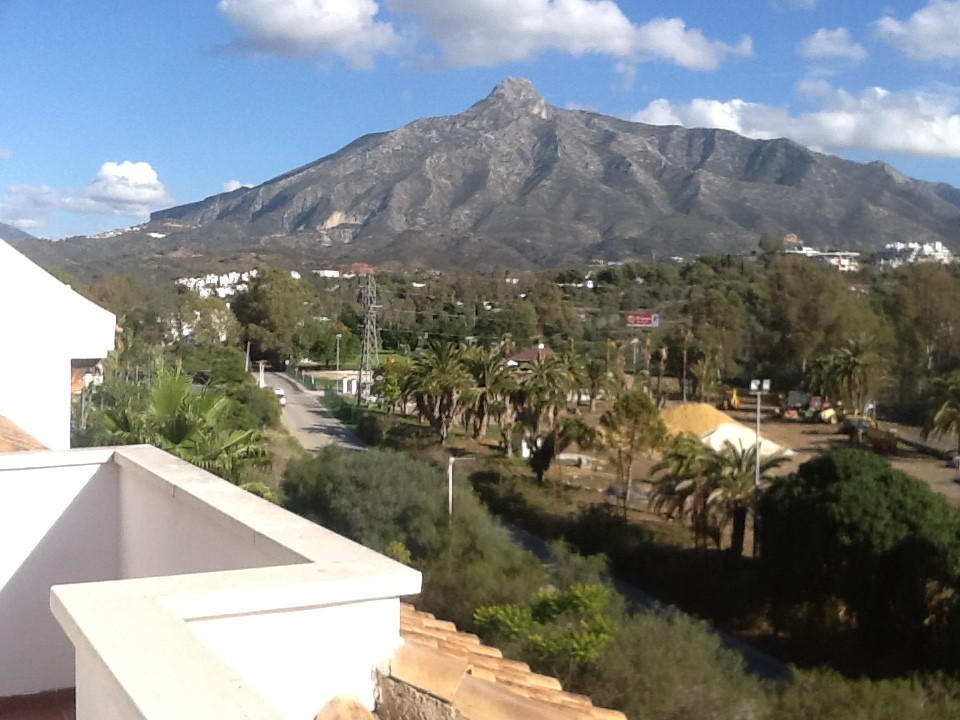 Great  penthouse apartment near Puerto Banus on the 4 floor with  fabulous terrace of 85 square mete,Spain