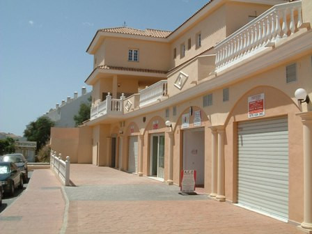 Number of business premises contained within a commercial centre in Riviera del Sol.  These units co,Spain