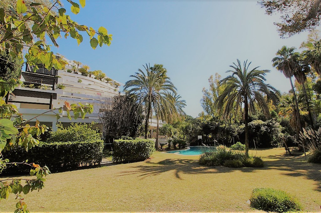 A luxury property on the world famous Golden Mile and just a few minutes from the centre of Marbella,Spain