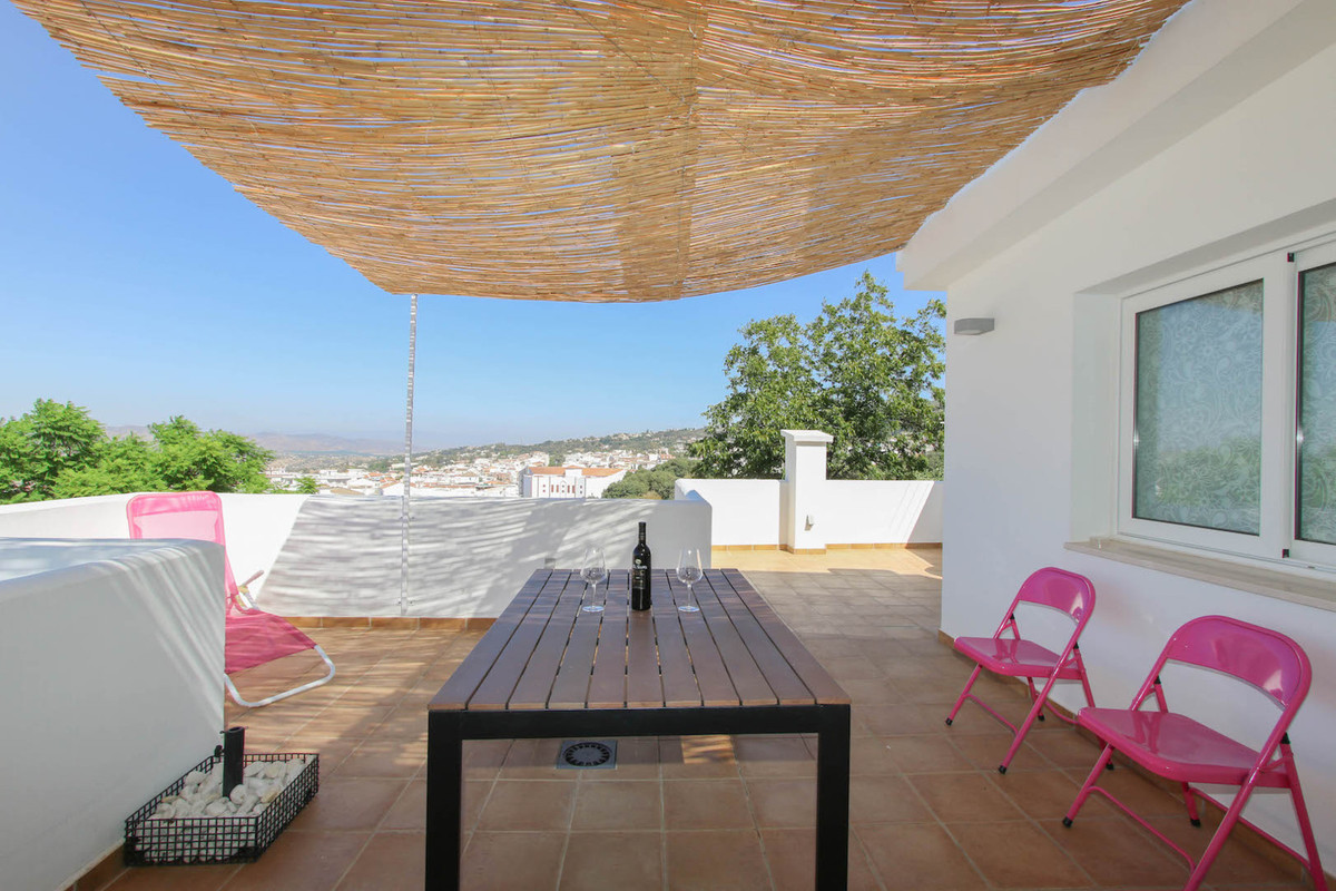 Beautifully townhouse in the centre of Alhaurin el Grande that has been totally rebuilt from scratch,Spain