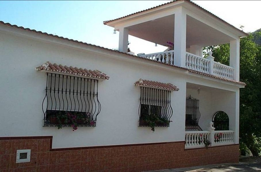 This stunning property is situated close to the small village of Mondron, close to Periana. The acco, Spain