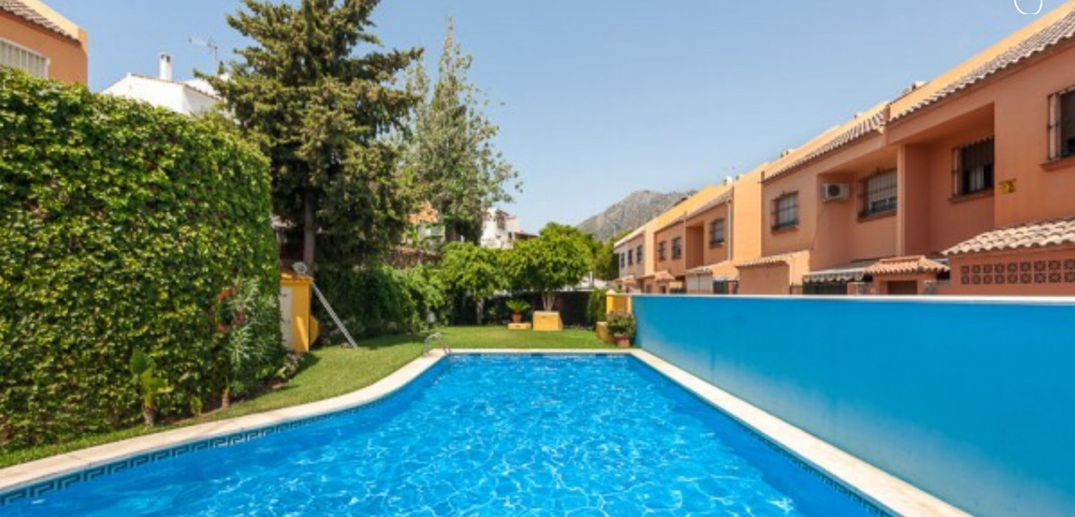 Townhouse, Marbella, Costa del Sol. 3 Bedrooms, 3 Bathrooms, Built 115 m².  Setting : Town, Commerci, Spain
