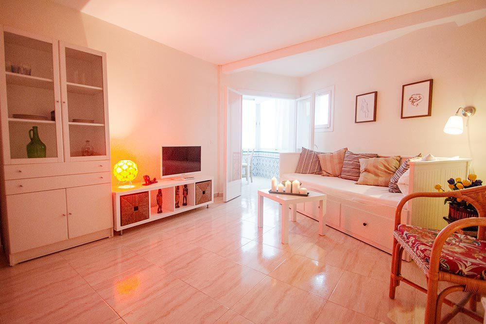 Lovely studio with sea view, 1 bathroom, fitted kitchen, wardrobes. Renovated At 500 meters from the,Spain