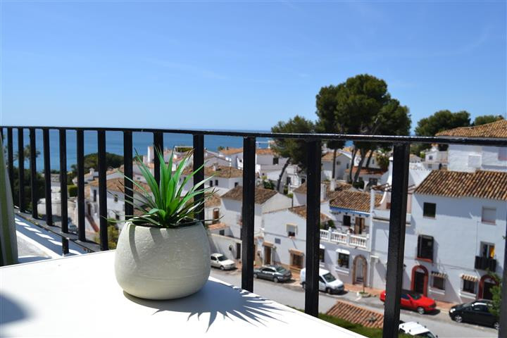Great opportunity to buy a penthosue corner apartment in El Torcal, La Cortijera which do not come uSpain