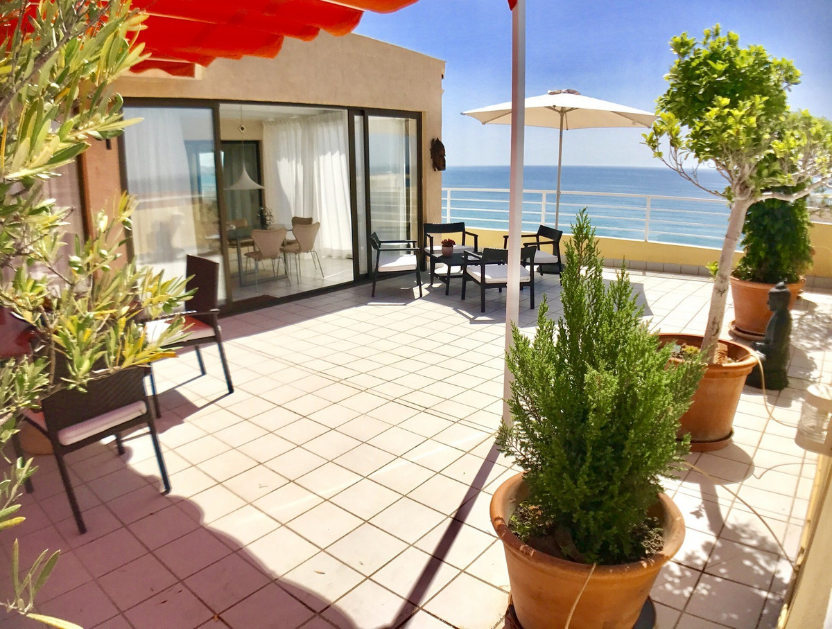 This spectacular penthouse with its 150m2 terrace has open views to the entire city and the sea. It ,Spain