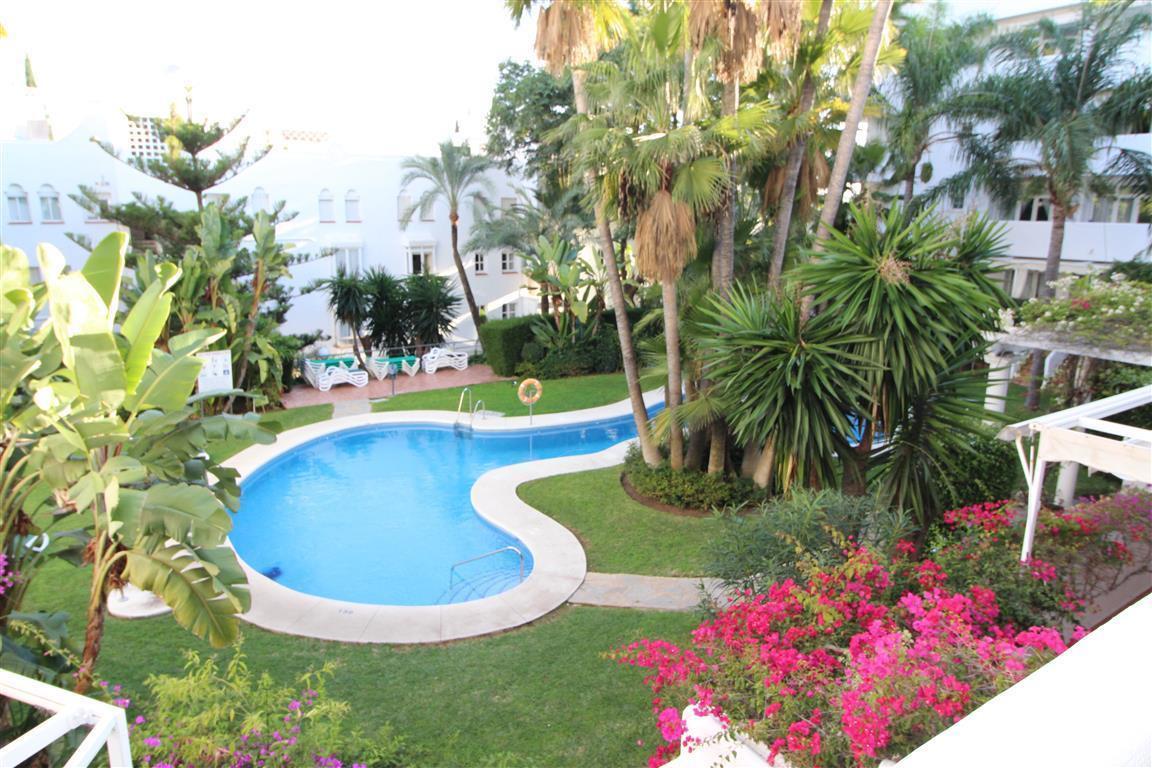 Middle Floor Apartment, Marbella, Costa del Sol. 2 Bedrooms, 2 Bathrooms, Built 90 m², Terrace 15 m²,Spain
