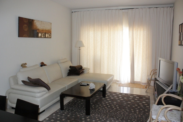 Located in the quiet and sophisticated area of Rio Real Golf, this well shaped apartment offers stun,Spain