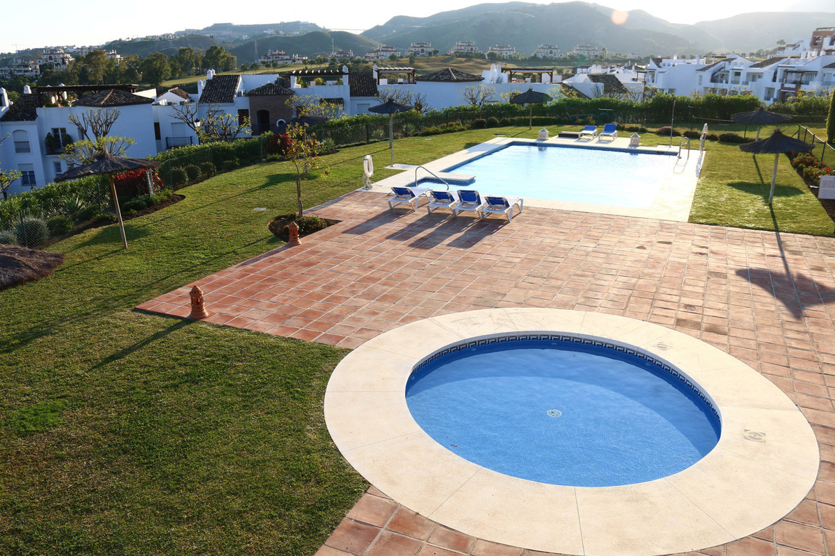 Beautiful 2 bedroom and 2 bathroom apartment in Benahavis with stunning sea views. The apartment has,Spain