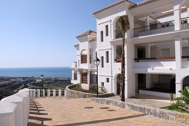 Fantastic penthouse located 3km from the beach of Rincon de la Victoria. With 110 m2 internal area a,Spain