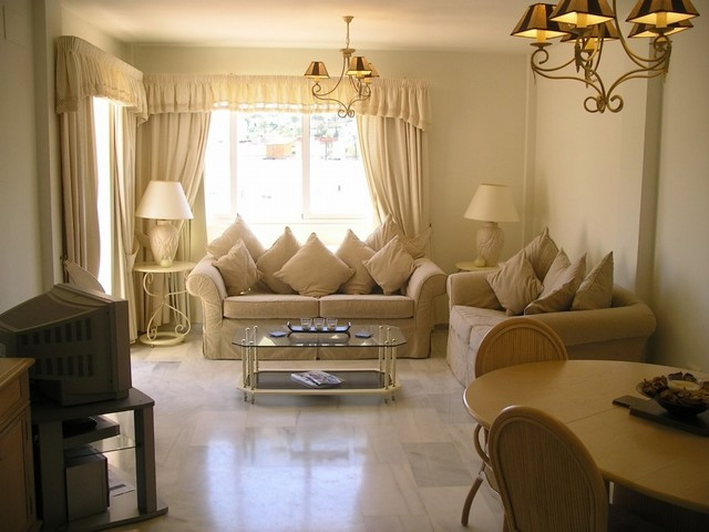 2 bedroom, 2 bathroom apartment with communal gardens and swimming pool, parking, electronic entranc, Spain