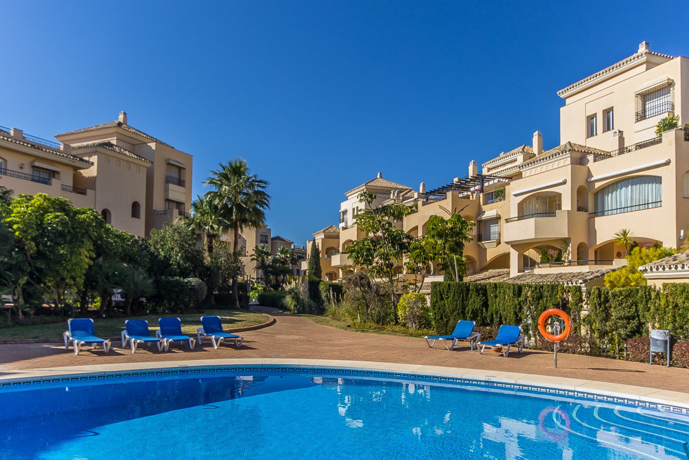 Massive and luxury 2 bedroom middle apartment on the best location of Elviria area closed to all the,Spain