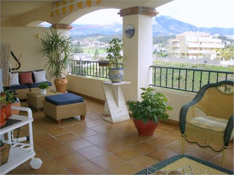 Priced to sell! Reduced for a quick sell, spacious apartment near golf in Mijas Costa, Costa del Sol,Spain