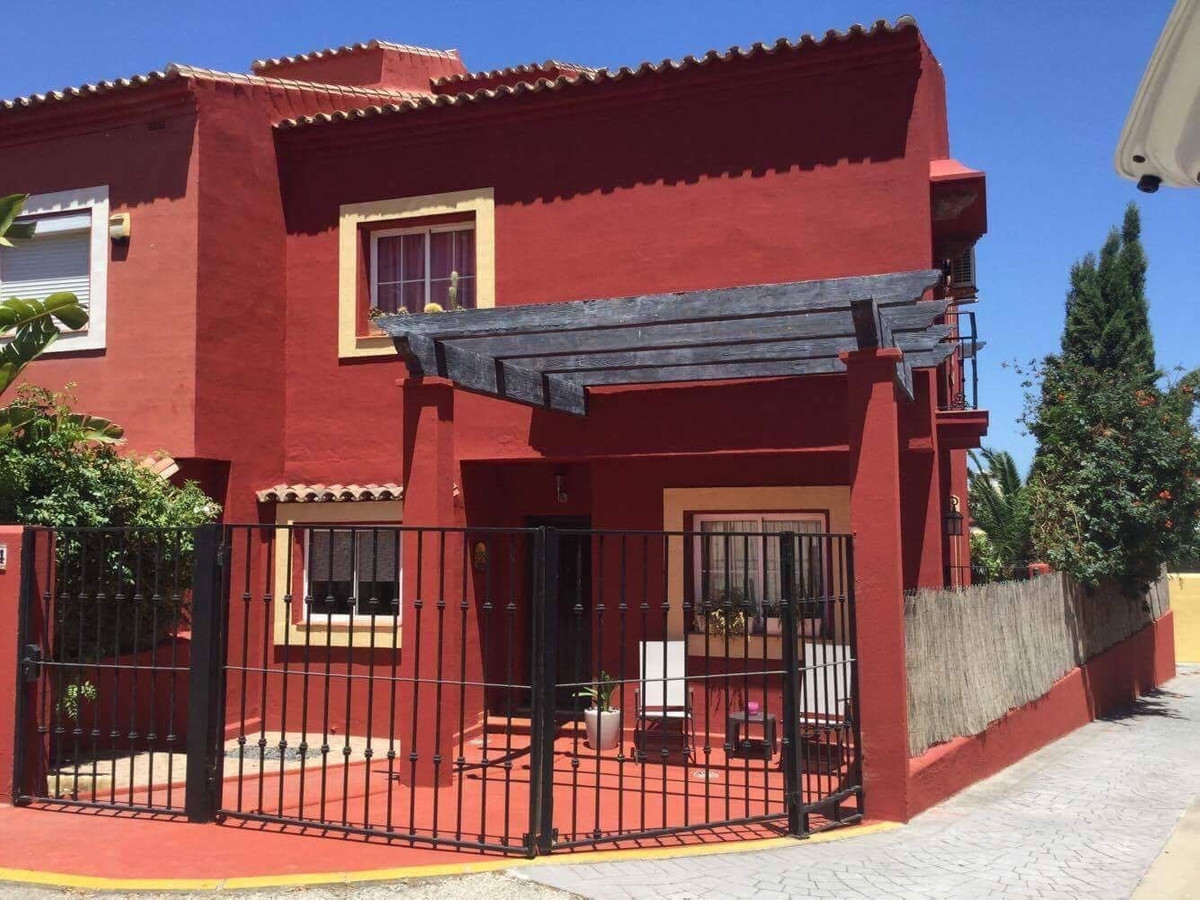 A spacious four bedroom semi detached house, with driveway, located within the quaint and popular ur, Spain
