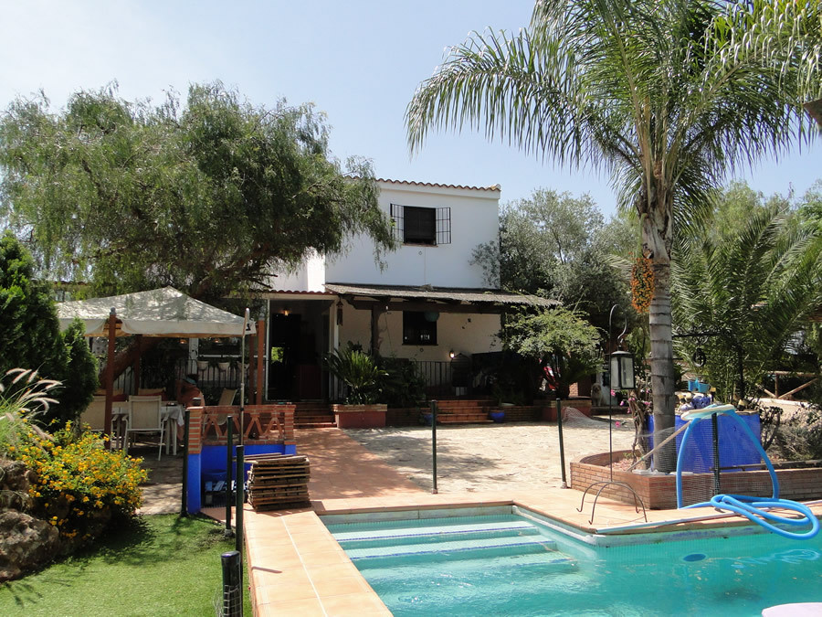 Beautiful spacious finca with independent guest house.  The main house on two floors, the ground lev, Spain