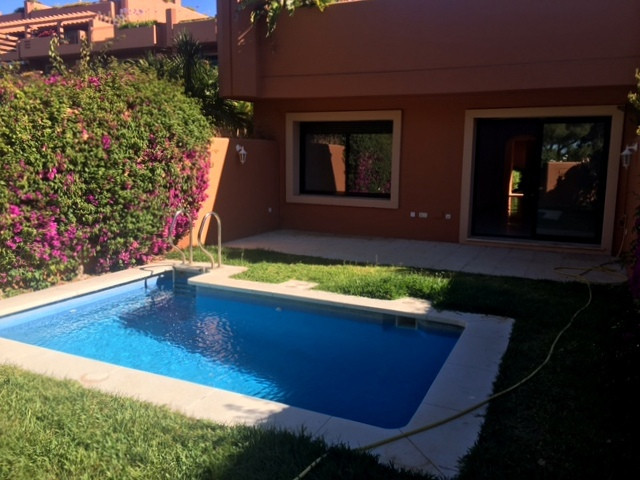 Lovely 2 bedroom ground floor apartment in Artola Alta, 2 mins' drive to one of the best beaches, Spain
