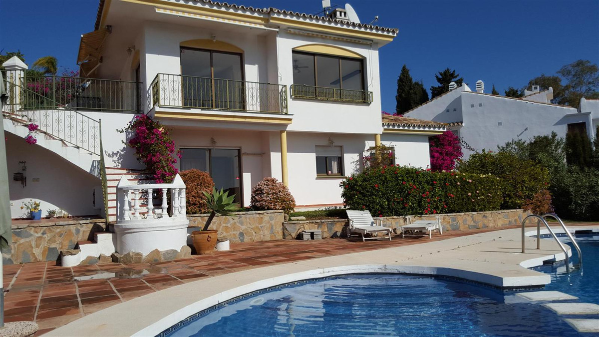 Large south facing 4 bed villa with good sea views set in the Campo Mijas urbanisation close to the ,Spain