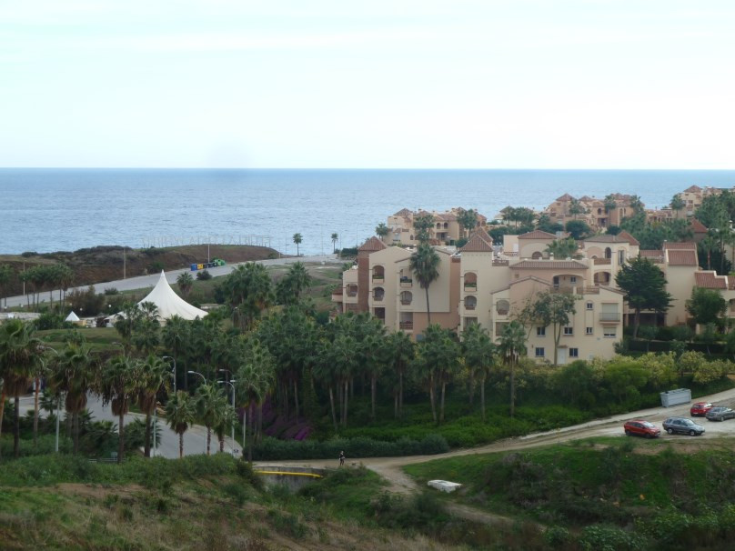 Nice elevated ground floor apartment with seaviews next to Club la Costa in the outskirts of Fuengir,Spain