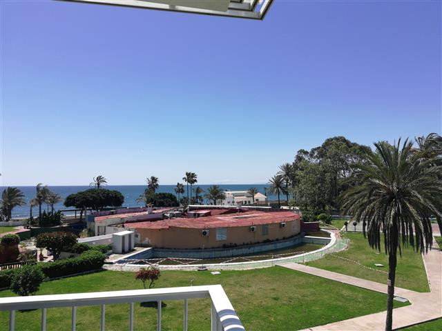 Frontline Beach Apartment with Sea Views.  Located at the east end of San Pedro Beach in Los Pinos. , Spain
