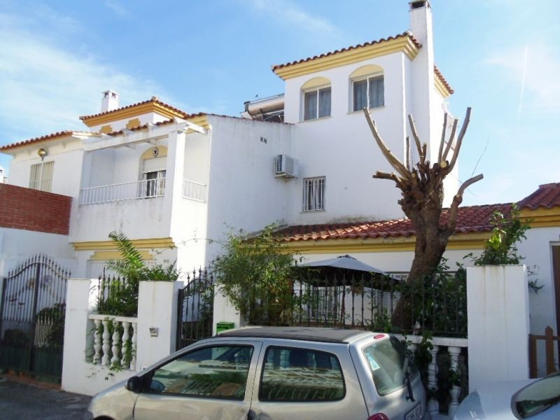 A lovely townhouse in a location which is very convenient for the towns of Velez-Malaga & Torre , Spain