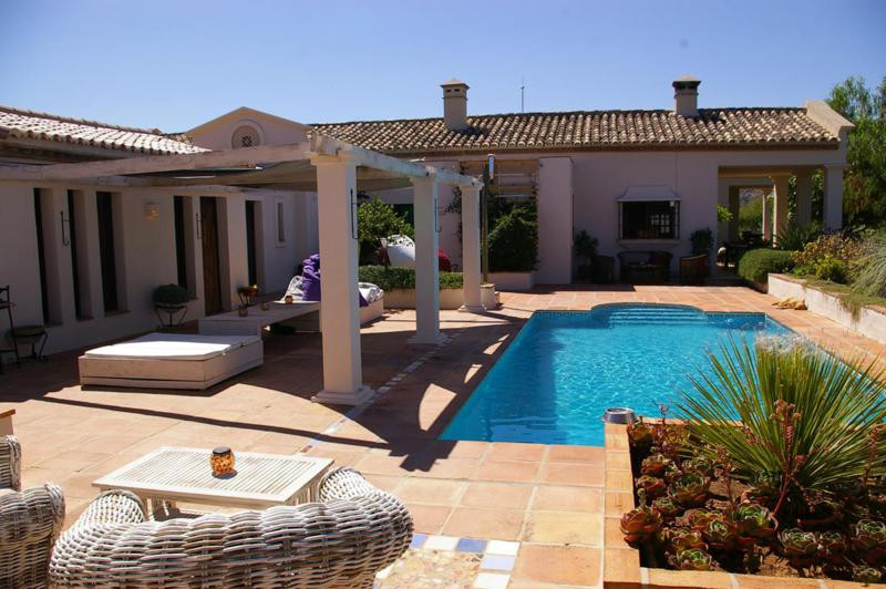 This amazing villa in Monda takes approximately 12 minutes from La Canada and has been completely re,Spain