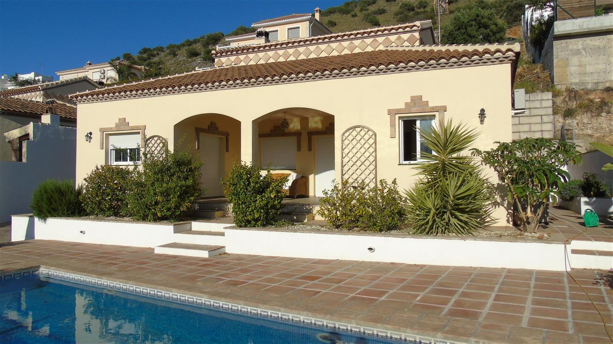 BARGAIN - LOVELY FAMILY VILLA COIN  This is a fantastic opportunity to purchase a lovely detached vi,Spain