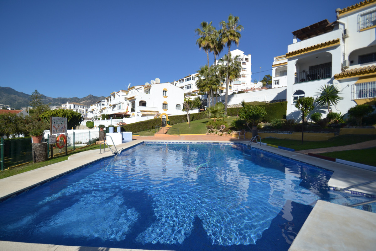 Charming 2 bedroom apartment in Benalmadena Costa on the ground floor, with its own garden and only , Spain