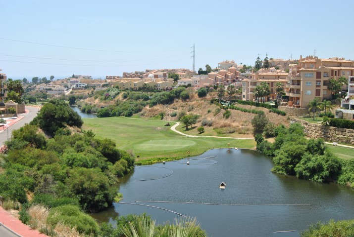 (005)  This is a 2 bedroom 2 bathroom first floor apartment located in the Island of Riviera Golf de,Spain