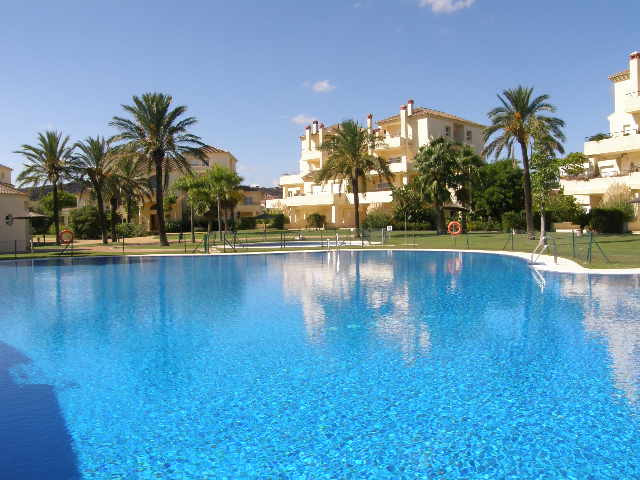 San Roque Golf: Large 3 bedroom first floor apartment front line on San Roque Golf. Views to golf an,Spain