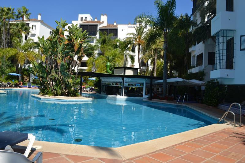 APARTMENT FOR SALE IN A FRONTLINE BEACH DEVELOPMENT IN ELVIRIA  The development is very well located, Spain