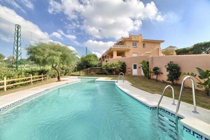This amazing frontline golf 4bedrooms townhouse is part of a fantastic complex of only 20 semi-detac, Spain