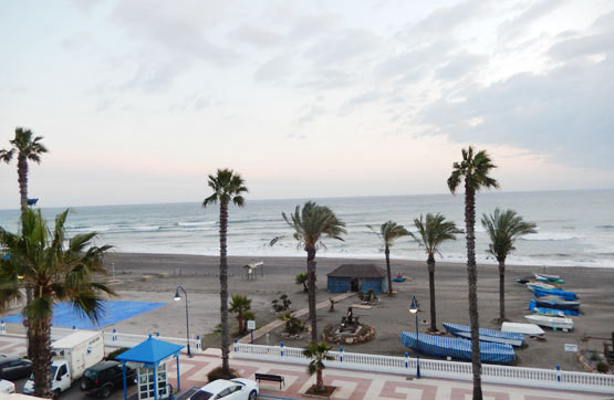OPPORTUNITY IN FRONT OF THE SEA IN EL MORCHE, TORROX. Exterior apartment located at the foot of the ,Spain