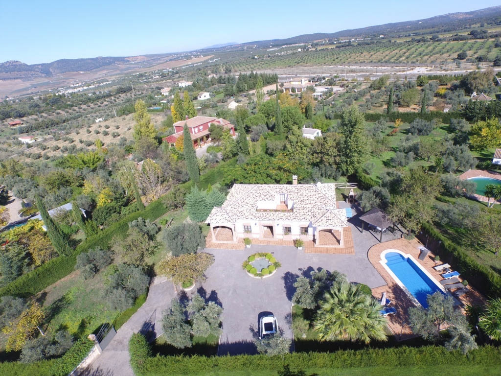 EXCLUSIVE FINCA WITH 100% privacy!! Finca very well built located in residential, safe and quiet are, Spain