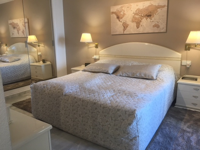 Beautiful apartment in a great central location of Calahonda. The apartment is in excellent conditio, Spain